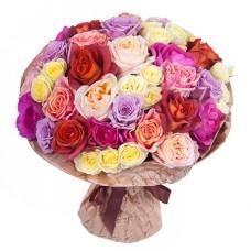 35 роз ассорти в крафте
